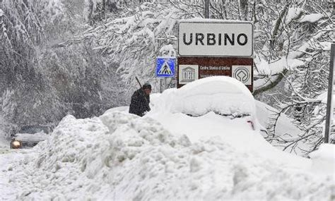 situazione delle marche neve situazione drammatica nelle marche direttanews it