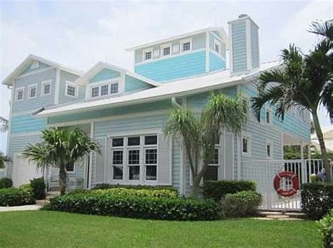 beach houses for sale in florida for sale polly s beach house and more readers listings hooked on houses