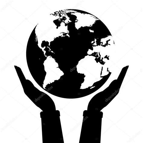imagenes blanco y negro de la tierra dos manos sosteniendo el planeta tierra de color blanco y