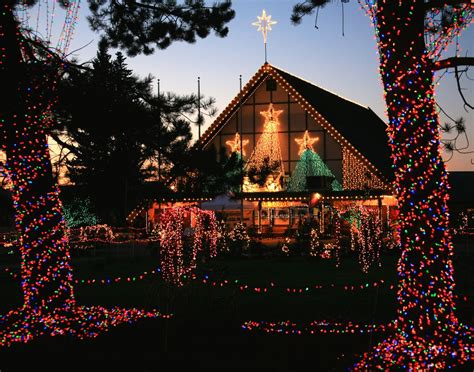 a guide to the lights of christmas at warm beach c