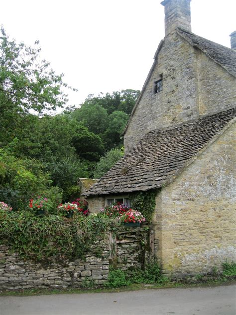 Cotswolds Cottage by Cotswolds Cottage Style