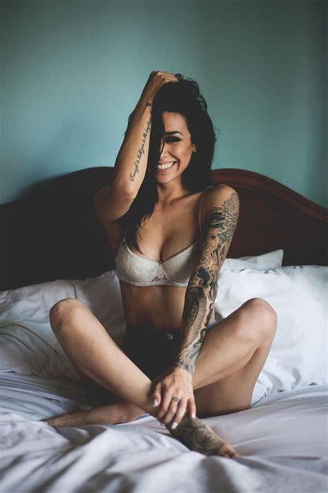 tattoo hot to the touch beautiful tattooed girls and arm tattoo on pinterest