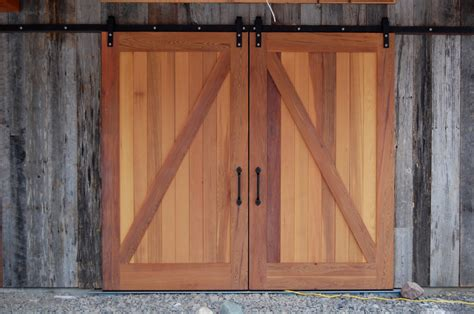Barn Door Construction Timber Frame Barn Doors New Energy Works