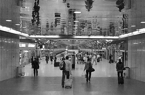 treno mobile stazione stazione di treni aeroporto fiumicino stazione di treni