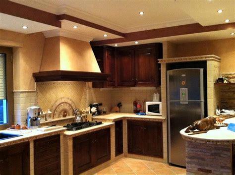 piano cottura in muratura cucina in muratura con penisola piano cottura ribassato