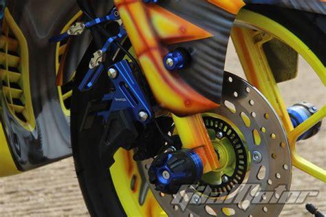 Cover Kuping Spakbor Aerox 155 Vva Carbon modifikasi yamaha aerox 155vva bumble bee dari jakarta
