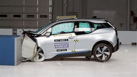 Max Bmw Ct by 2017 Bmw I3 Moderate Overlap Iihs Crash Test