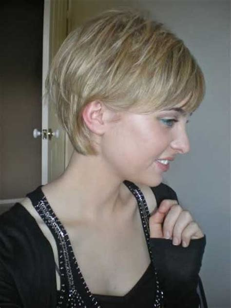 cute haircuts when growing out bob growing out a pixie cut black women 18 pretty and chic