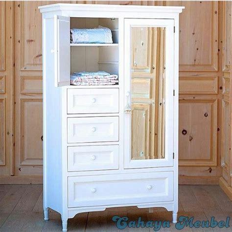 Lemari Pakaian Cat Putih lemari pakaian minimalis putih cahaya mebel jepara