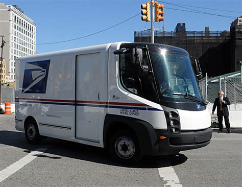 postal vehicles usps looking for the delivery van of the future 95 octane