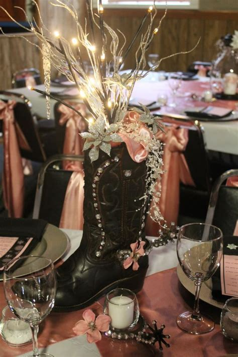 Cowboy boot centerpiece. This is like contemporary meets