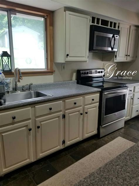 kitchen cabinets redone 129 best painting kitchen and bathroom cabinets painted