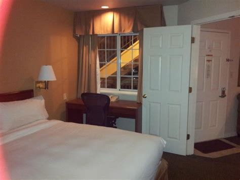 atlanta hotel suites 2 bedroom kitchen in the 2 bedroom suite picture of sonesta es