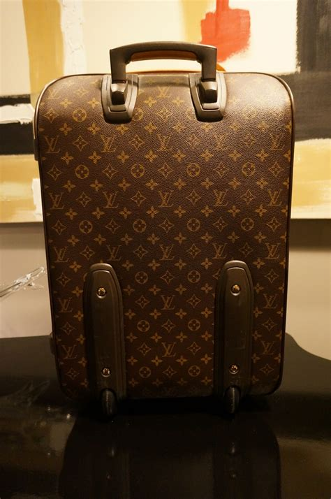 louis vuitton pegase  monogram rolling luggage speedy lv