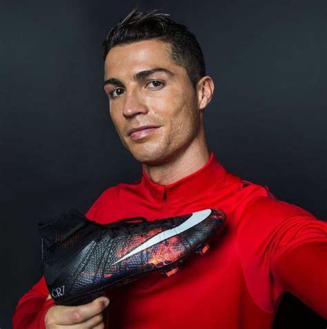photo cristiano ronaldo unveils new savage beauty boots