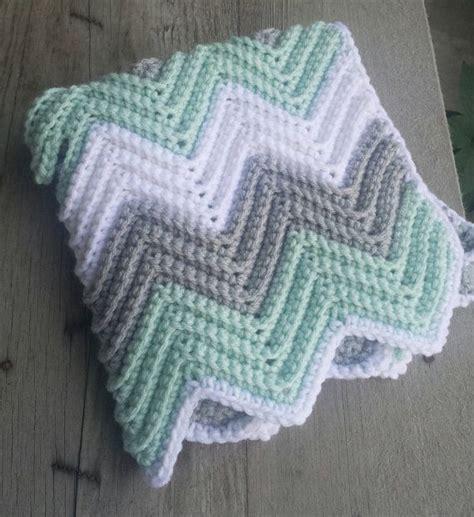 chevron baby blanket free crochet pattern from red heart 17 best ideas about chevron crochet on pinterest