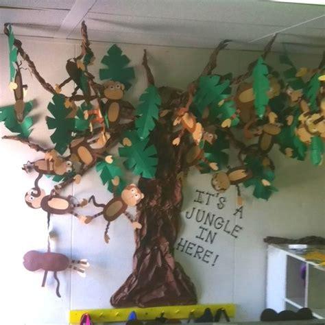 christmas tree craft for kindergarten classroom ideas 25 best ideas about jungle preschool themes on pinterest