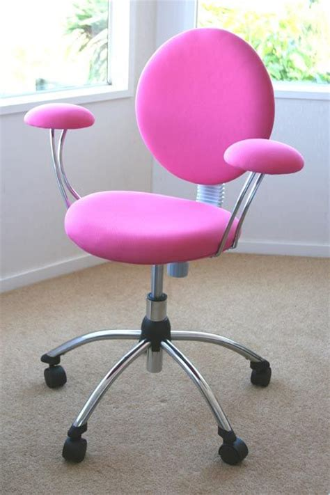 Pink Swivel Desk Chair by 17 Best Images About Emme S Room On Bedrooms