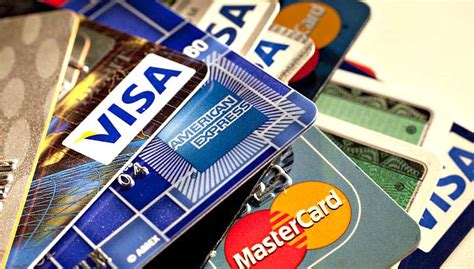 Gift Card Cash Advance - differences between payday loans vs credit card cash advance