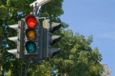 red light camera ticket los angeles los angeles votes to remove red light cameras 187 autoguide