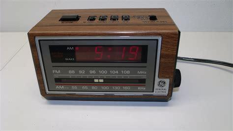 vintage general electric ge alarm clock am fm radio snooze faux wood retro