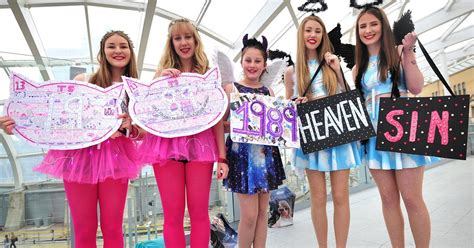 Sharrats Dressed Up Book Tour by S Swifties At Manchester Amazing Pictures Of