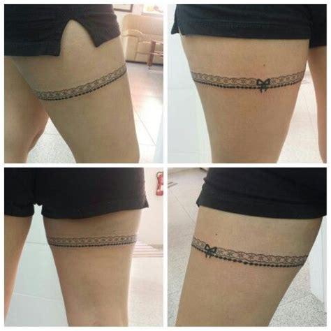 imagenes de tatuajes de ligeros tatuajes para mujer en la pierna liguero
