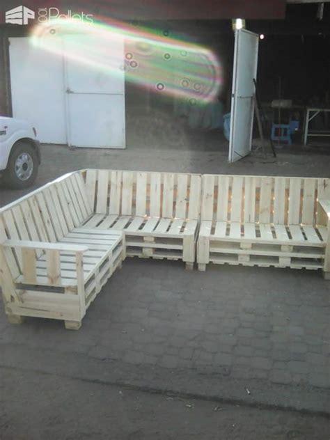 Meja Sofa 1000 ide tentang pallet sofa di meja kopi perabot dan palet
