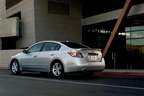 2010 nissan altima safety rating 2010 nissan altima overview cars