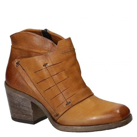 Handmade Ankle Boots - heeled ankle boots handmade in leather leonardo