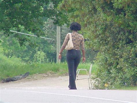 donne rumene a letto le nigeriane pagano l affitto