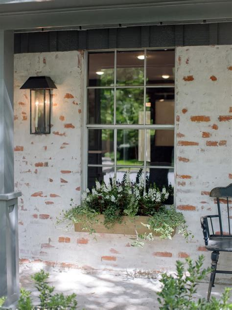fixer upper  world charm  newlyweds exterior