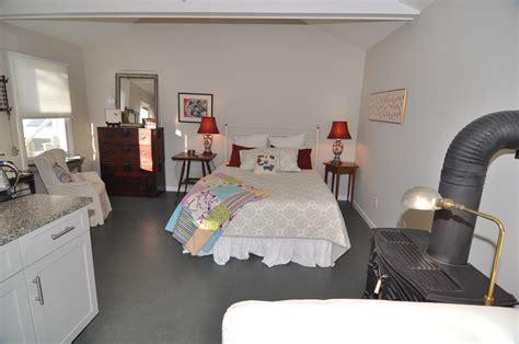 shorecrest bed and breakfast 4 studio sleeping dsc 0056 shorecrest bed and breakfast
