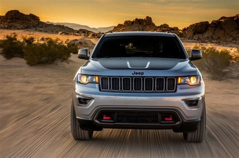 jeep grand trailhawk 2017 jeep grand trailhawk leaks out early