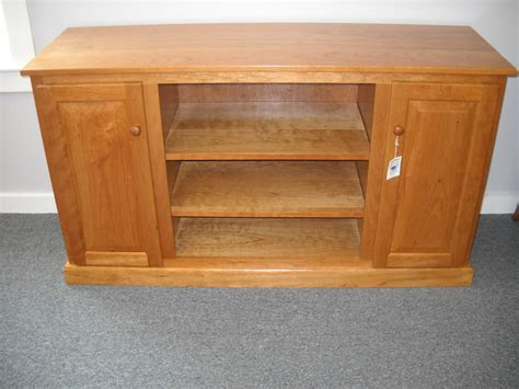 Shaker Furniture Of Maine by Shaker Furniture Of Maine 187 Cherry Tv Stand