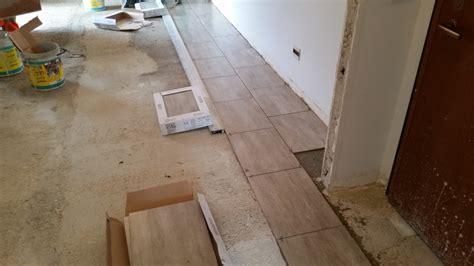 posa in opera pavimenti foto posa in opera di pavimento di ml costruzioni srl