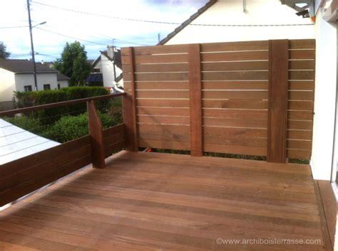 terrasse en vue terrasse bois en hauteur sur pilotis avec pare vue et