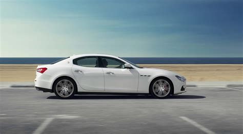 maserati ghibli s q4 2014 maserati ghibli s q4 side in motion photo 9