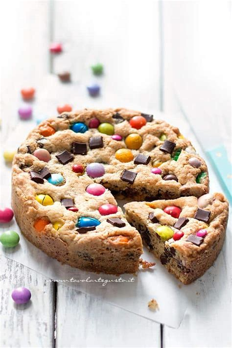 l cookies torta cookie con smarties e m m s tavolartegusto it