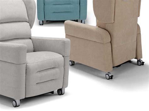 poltrone disabili poltrone per disabili con ruote poltrone relax e scooter