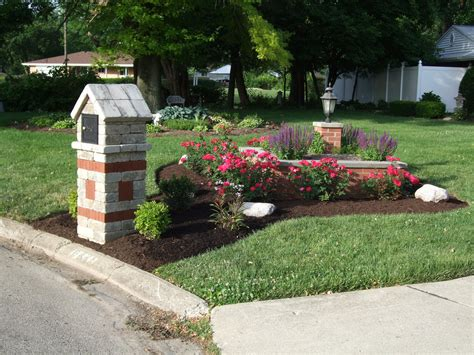 Idea Here Ideas For Landscaping Around Mailbox Post Landscaping