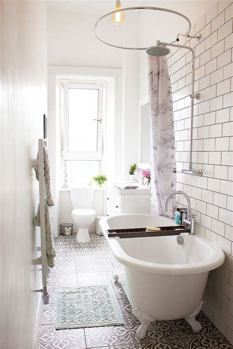 clawfoot tub bathroom ideas best 25 clawfoot tub shower ideas on pinterest