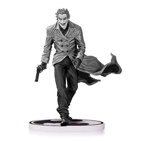 joker statue by jim lee 2nd edition batman black and white spac batman black and white lee bermejo joker second edition statue