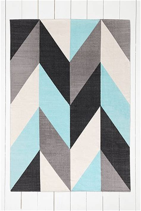 chevron flip 5x7 rug in turquoise outfitters