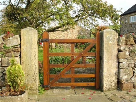 Garden Gate Garden Ideas How Does Your Garden Gate Katahdin Cedar Log Homes Garden Gate Custom Designed Courtyard Wood