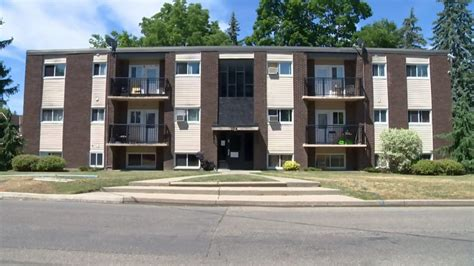 Apartment Building Cambridge Altercation Outside Apartment Lands In