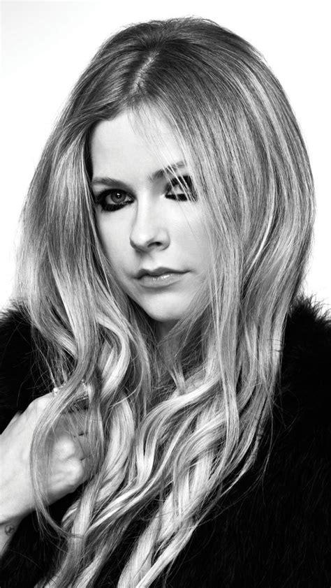 Avril Lavinge, famous singer, monochrome, 720x1280