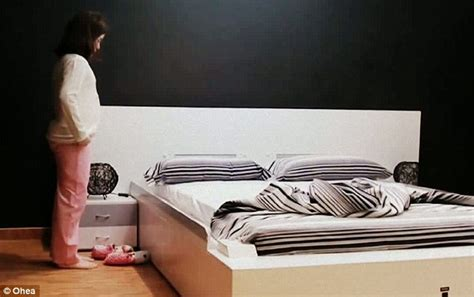 make the bed in spanish smart bed that makes itself how lazy can modern life get