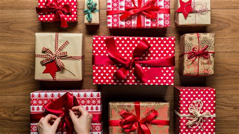Ways To Make Paper - seven ways to make your own wrapping paper this festive season