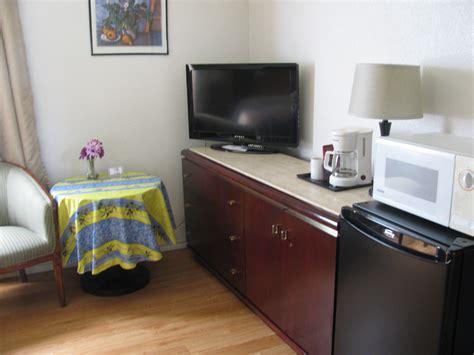 bed l with outlet motel de l outlet